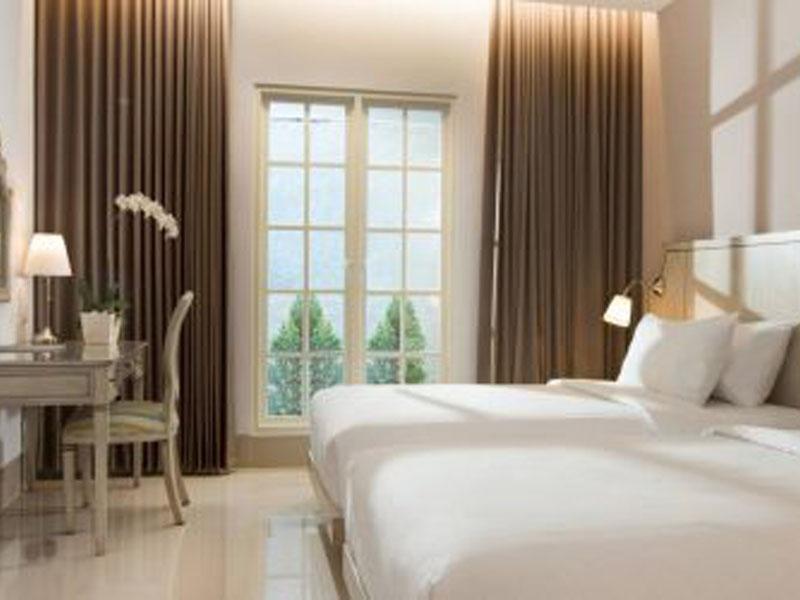 Santika-Seminyak-Rooms-Deluxe-Room-Twin-470x250