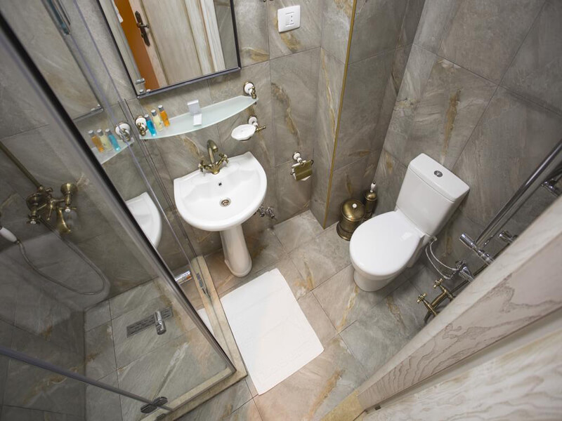 Single Room with Bathroom2