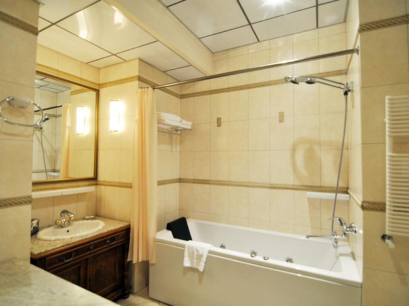 Sparkling Luxury Hamam Suite7