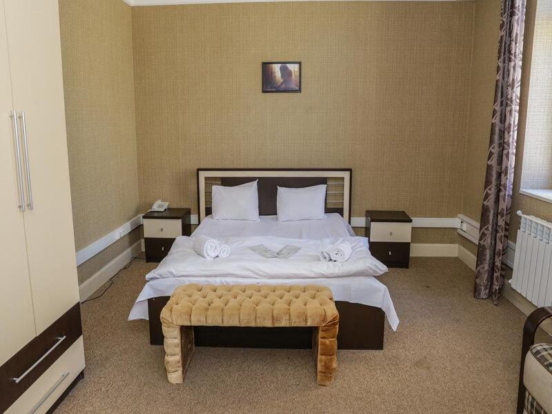 Standard Double Room1