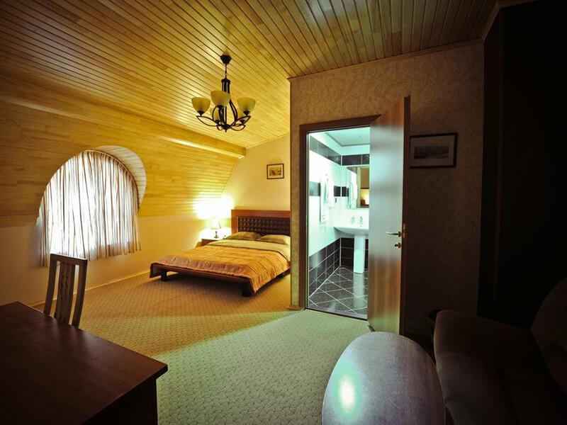 Standard Double Room4
