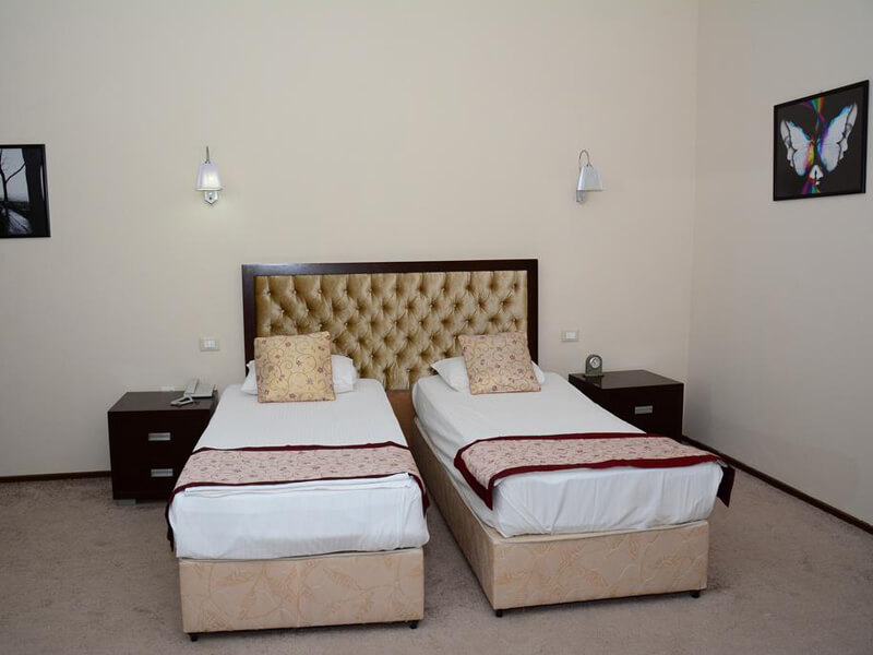 Standard Twin Room1