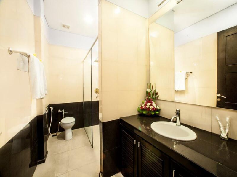 Superior-and-Standard-Bathroom-Medium-1030x687