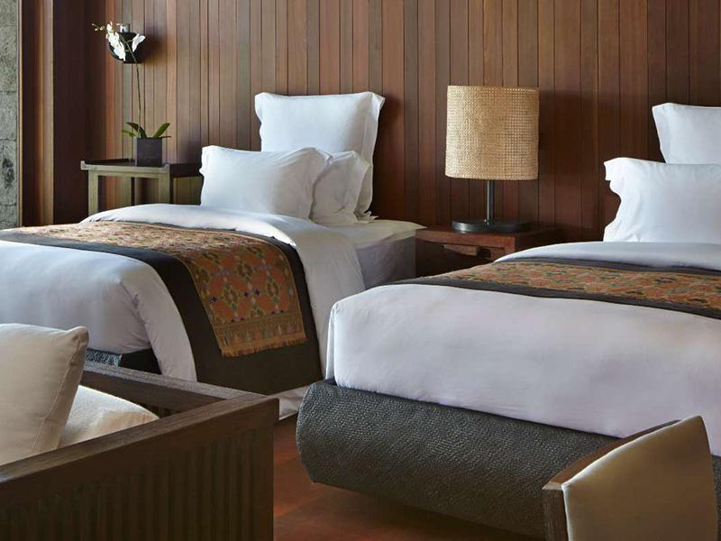 THE FIVE-BEDROOM8