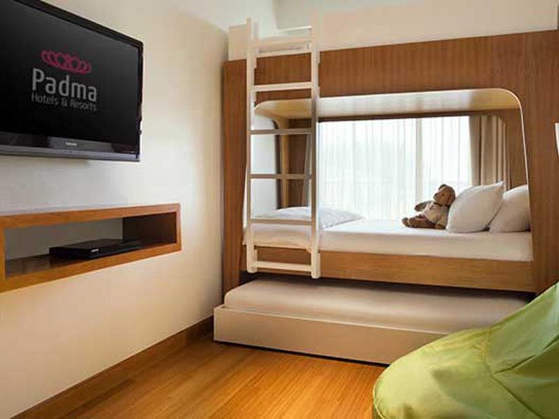 family-kids-bedroom