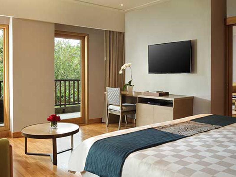 new-deluxe-suite-bed