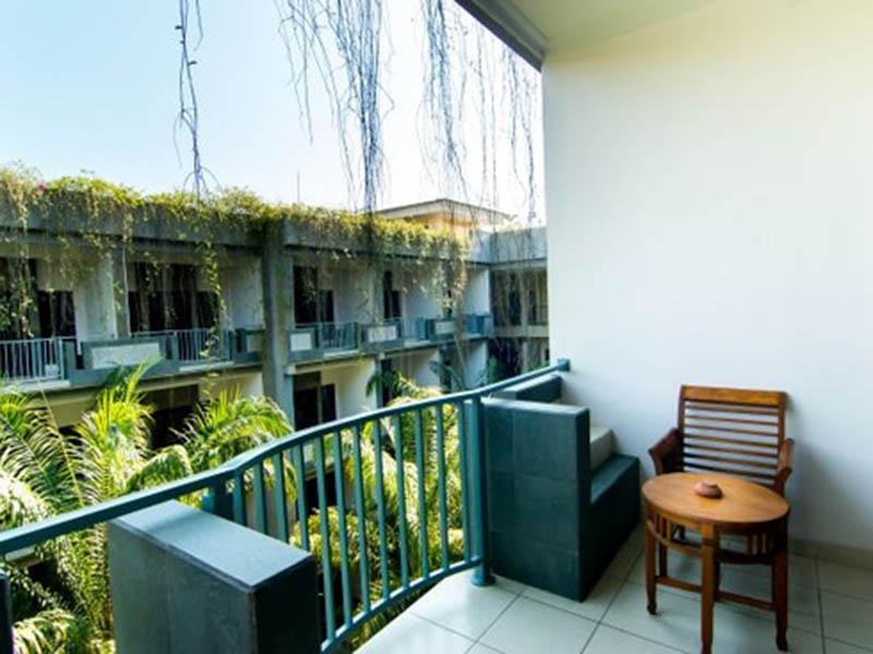 superior-balcony-2