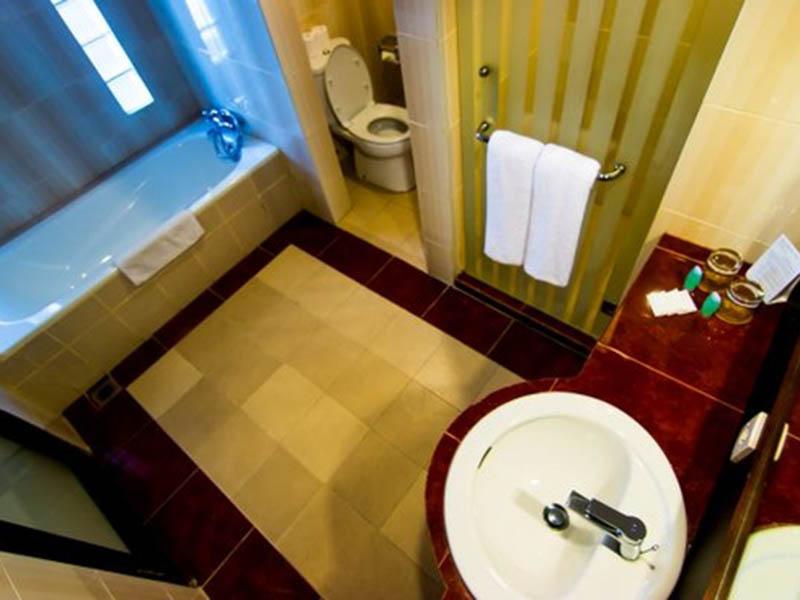 superior-bathroom-1