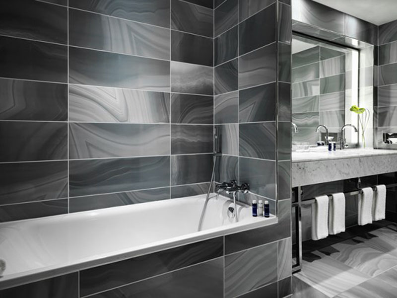 15_bou_01_0272-terrace-king-bathroom