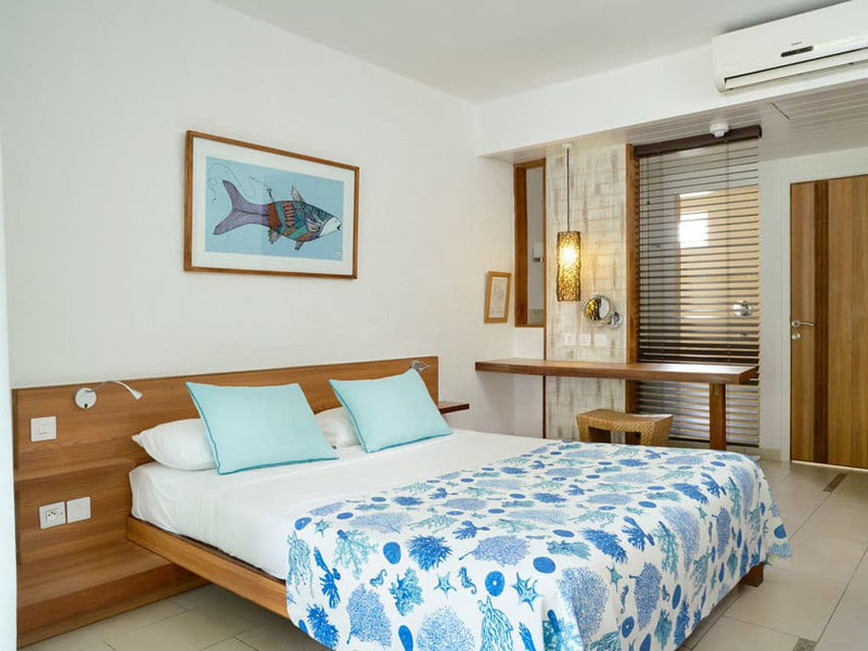 4Emeraude Beach Attitude-standart (1)