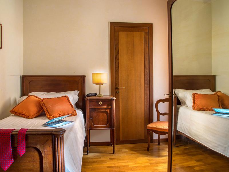 9-hotel-cesari-chambre-single-01