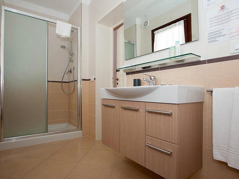 Apartment 2 Bedrooms 4+24