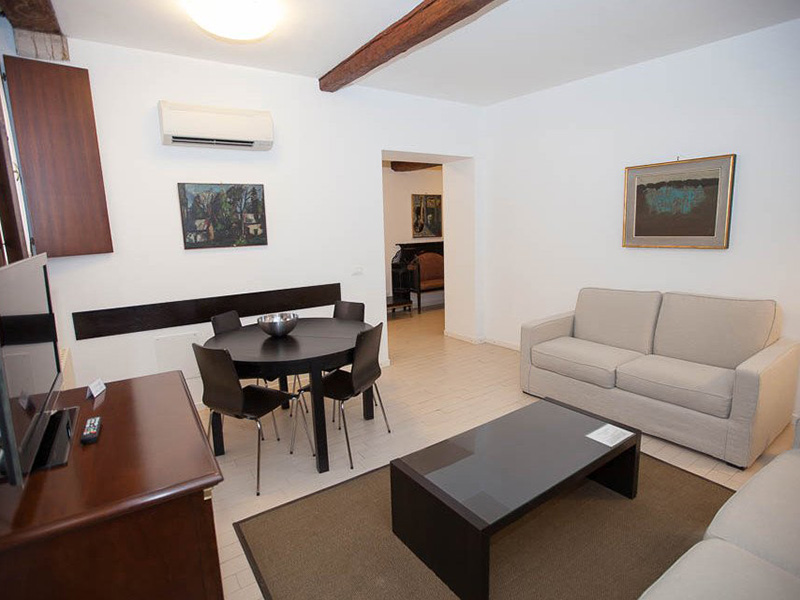 Apartment 4 Persons 2+211