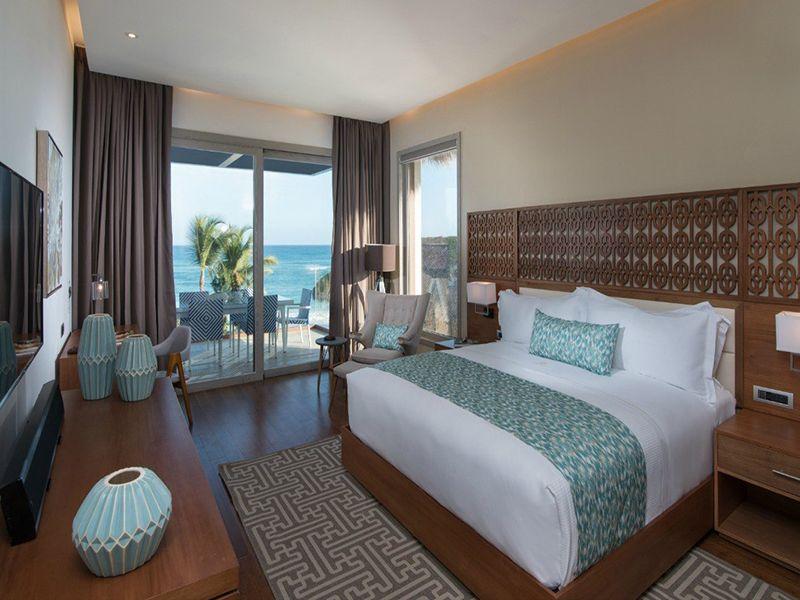 Beachfront Two Bedroom Suites2