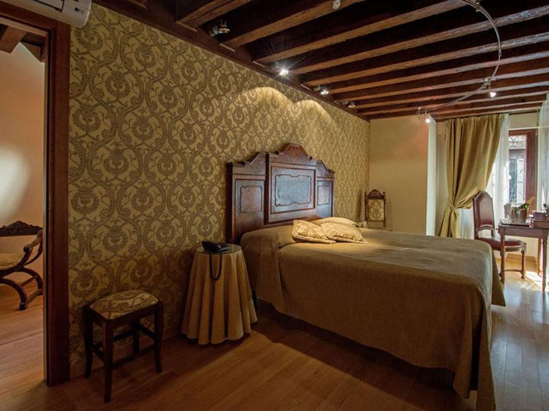 Camera Matrimoniale o Letti Separati con vista canale