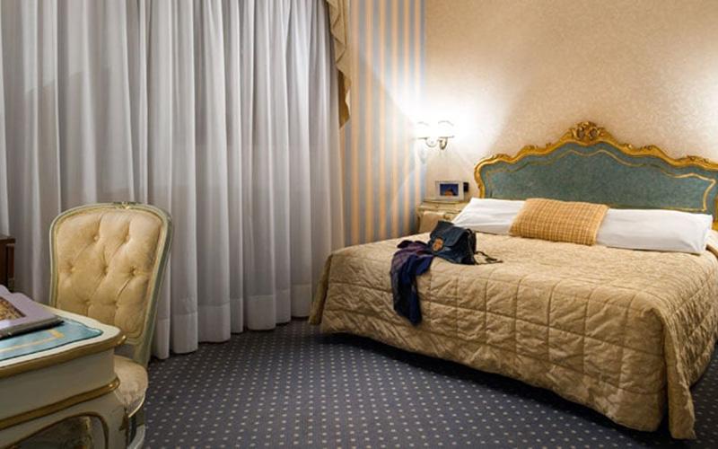 Classic Double Room2