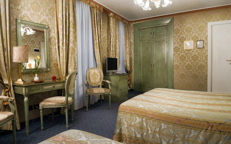 Classic Triple Room2