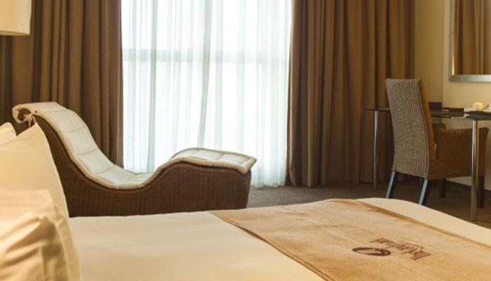 Deluxe Guest Room2