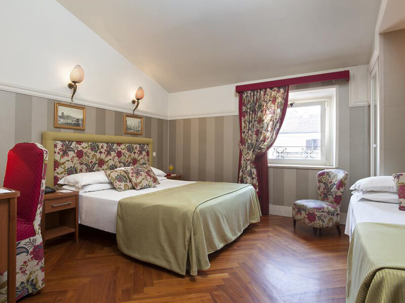 Double or Twin Room8