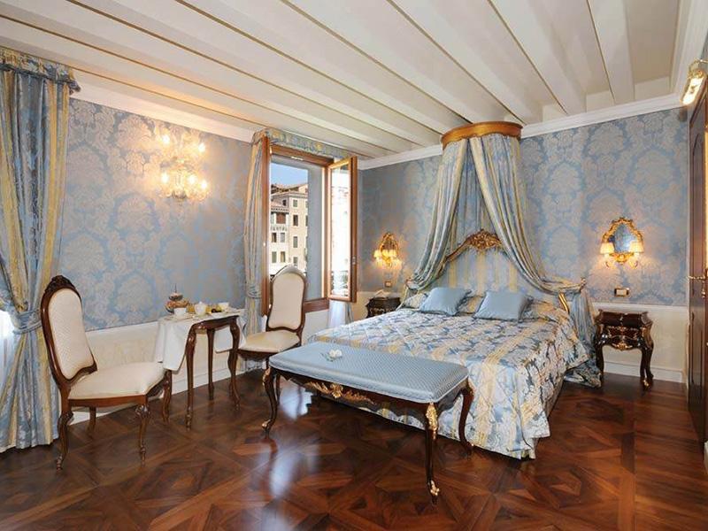 Gran Canal Prestige Double Room2