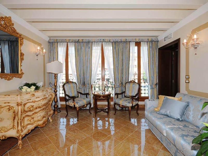 Grand Canal Elegant Suite2