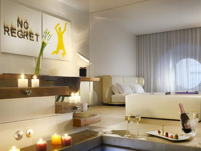 Junior Suite with Spa Access and Spa Bath1