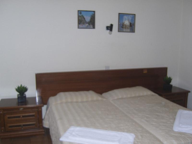 Larco Apartments (10)