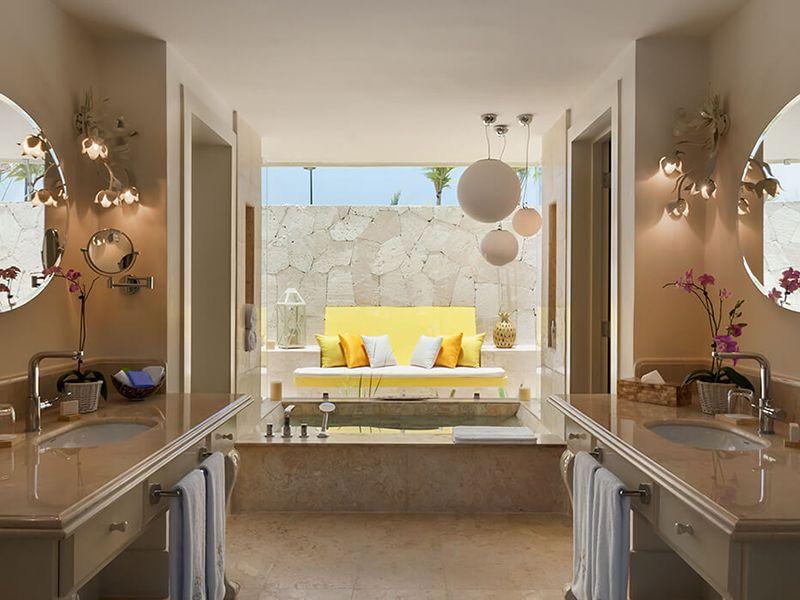 Luxury Pool Family Suites2