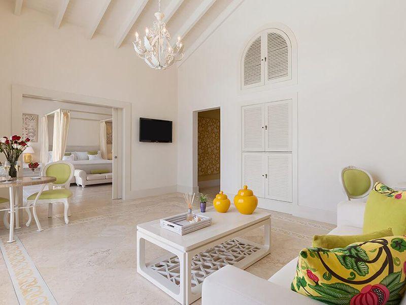 Luxury Pool Family Suites3