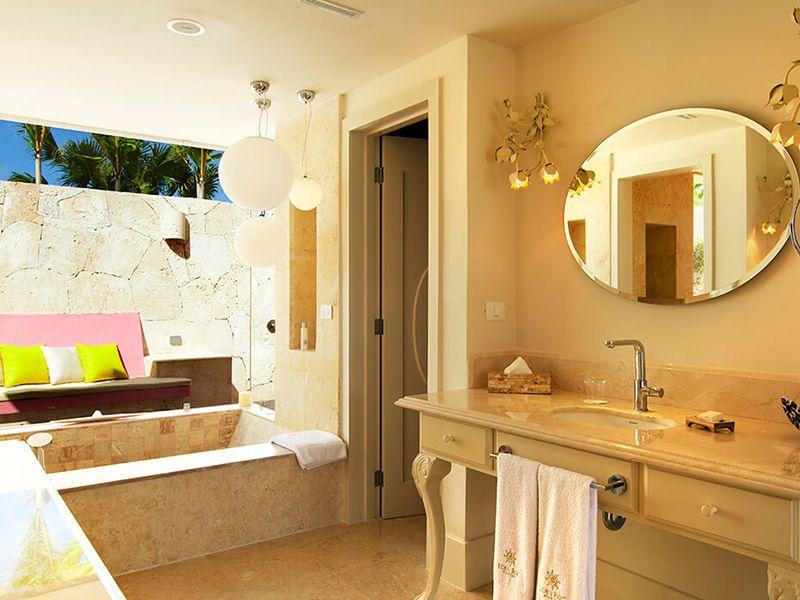 Luxury Pool Family Suites4