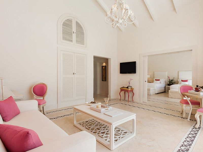 Luxury Pool One Bedroom Suites2