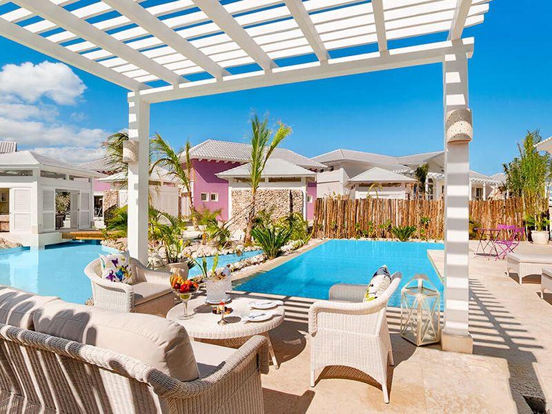 Luxury Pool One Bedroom Suites3
