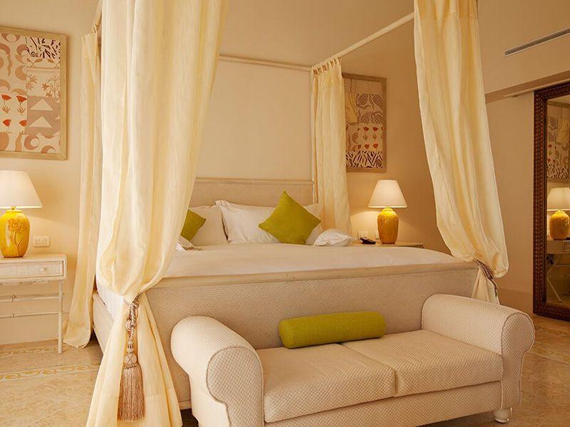 Luxury Pool One Bedroom Suites8