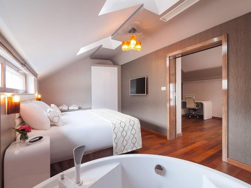 Metropolis Oversize Suite