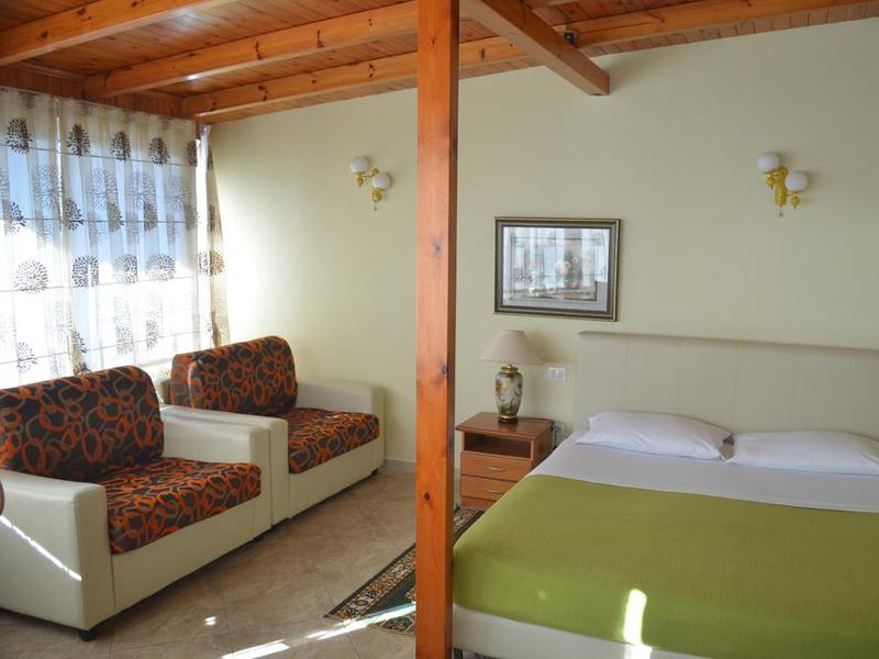 Quadruple Room3