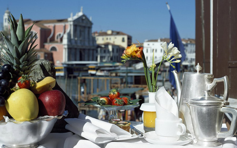 Superior Double Room Overlooking The Grand Canal2