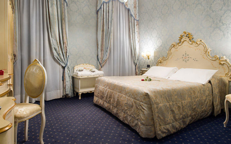 Superior Double Room Overlooking The Grand Canal4