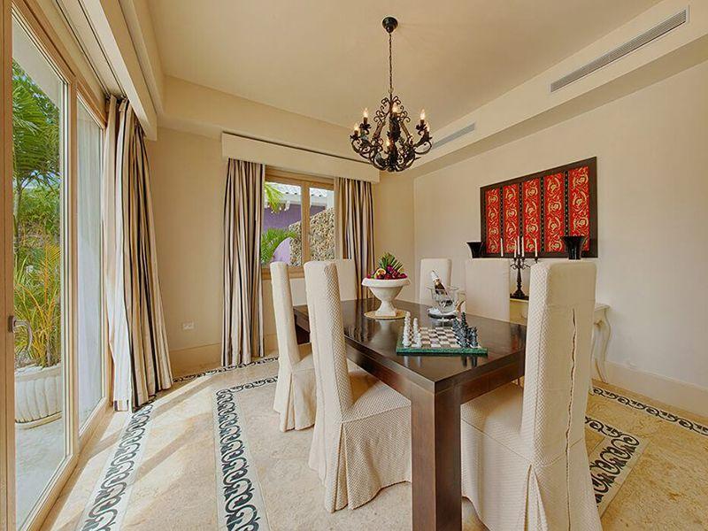 Three Bedroom Royale Villa10