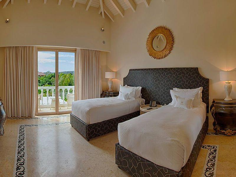 Three Bedroom Royale Villa11