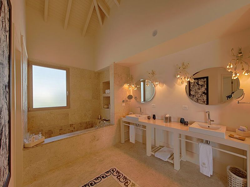 Three Bedroom Royale Villa12