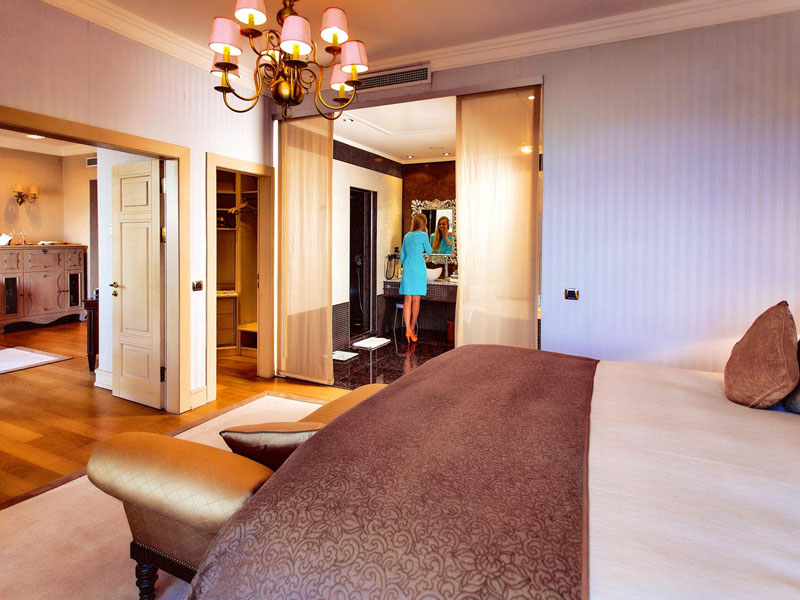 excelsior-hotel-royal-suite-room-photo-second