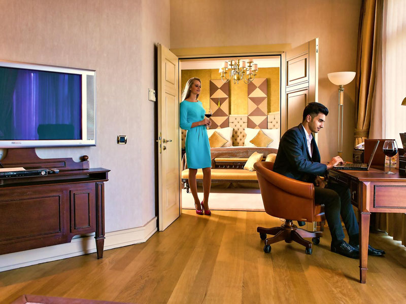 excelsior-hotel-royal-suite-room-photo-third
