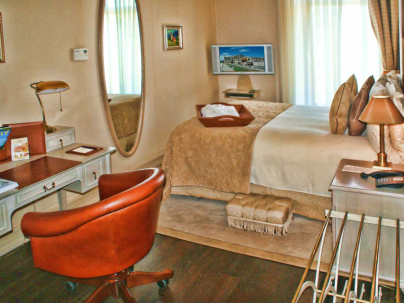excelsior-hotel-standard-double-room-photo-front-high