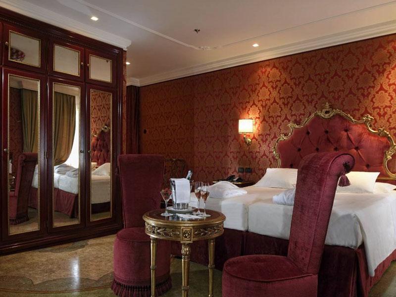 hotel_ai_reali_deluxe_room_gallery_02-1000x665