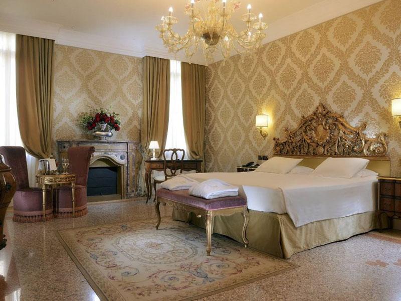 hotel_ai_reali_deluxe_room_gallery_04-1000x665