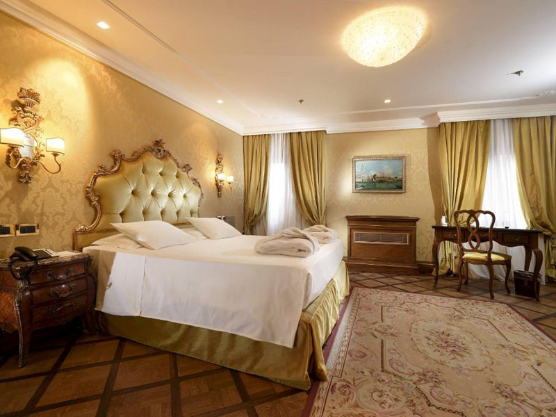 hotel_ai_reali_deluxe_room_gallery_07-1000x665