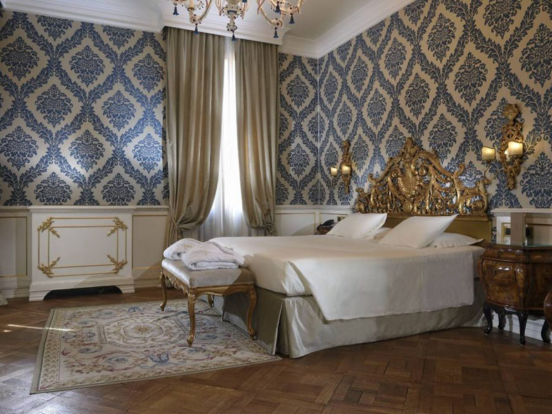 hotel_ai_reali_luxury_suite_gallery_01-1000x665