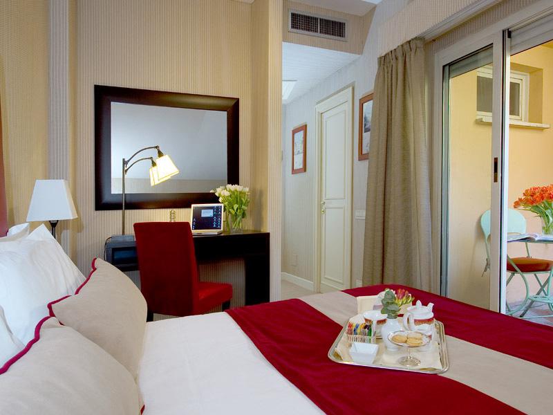 Hotel Dei Borgognoni - Roma