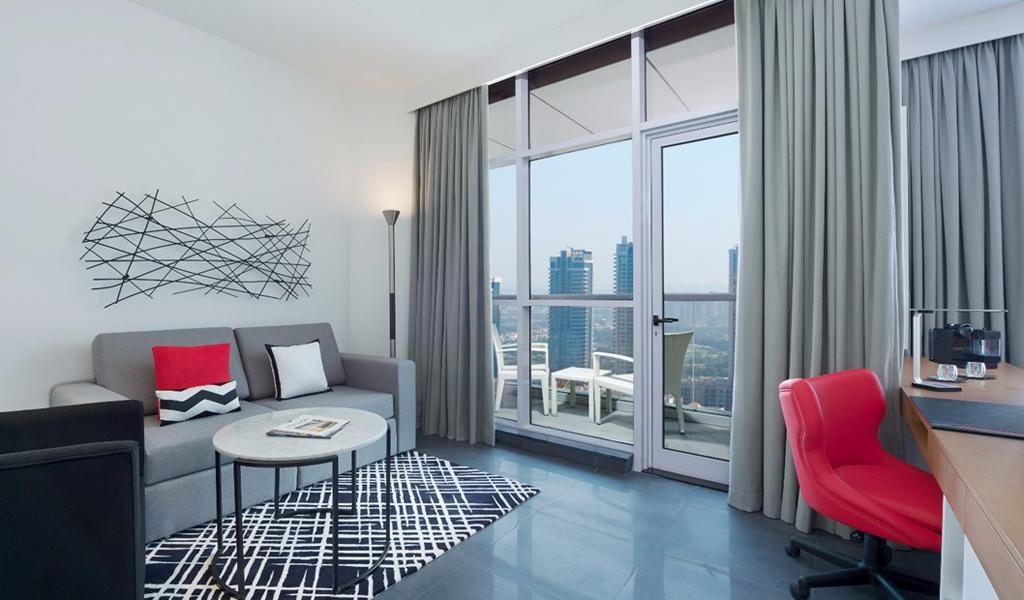 47488_guestroom_premiumroom_livingroom