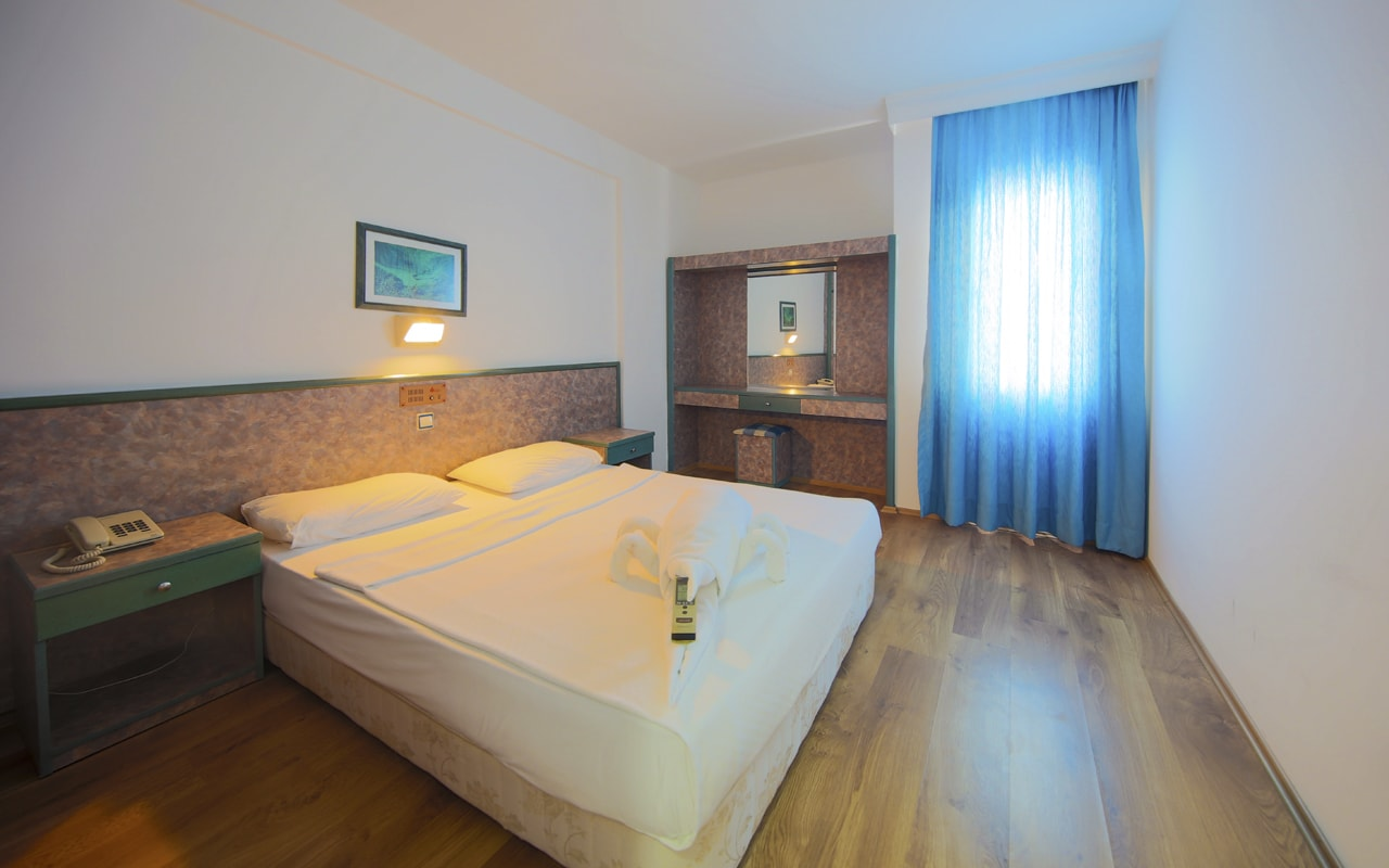 Blue Night Hotel (39)